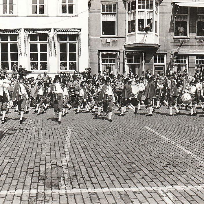 Jeugd Verkeers Brigade | KTK | Kampen | archief | historie | oude foto's | DJT | defile
