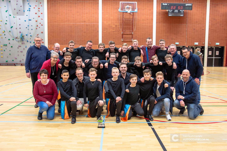 WGI Almere Percussion indoor succes voor Jong Kamper Trompetter Korps | Het succesvolle team met alle vrijwilligers